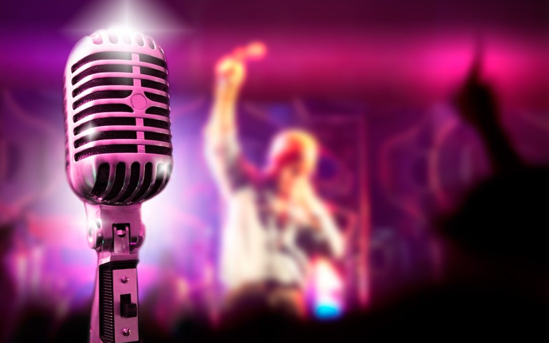 Top 18 Easy Songs To Sing – Aspiring Professional Singer