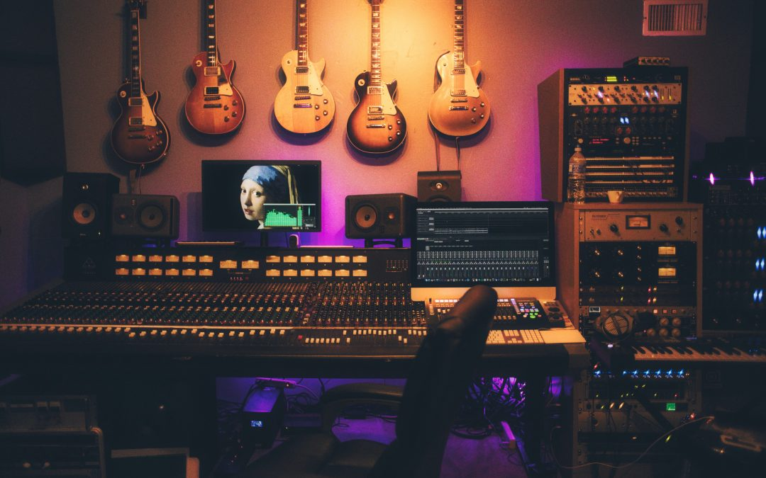 Top 5 Best Studio Monitor Speakers For Folk Musicians